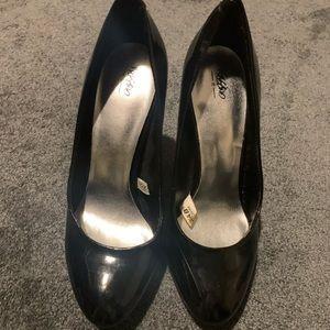 Mossimo black patent heels